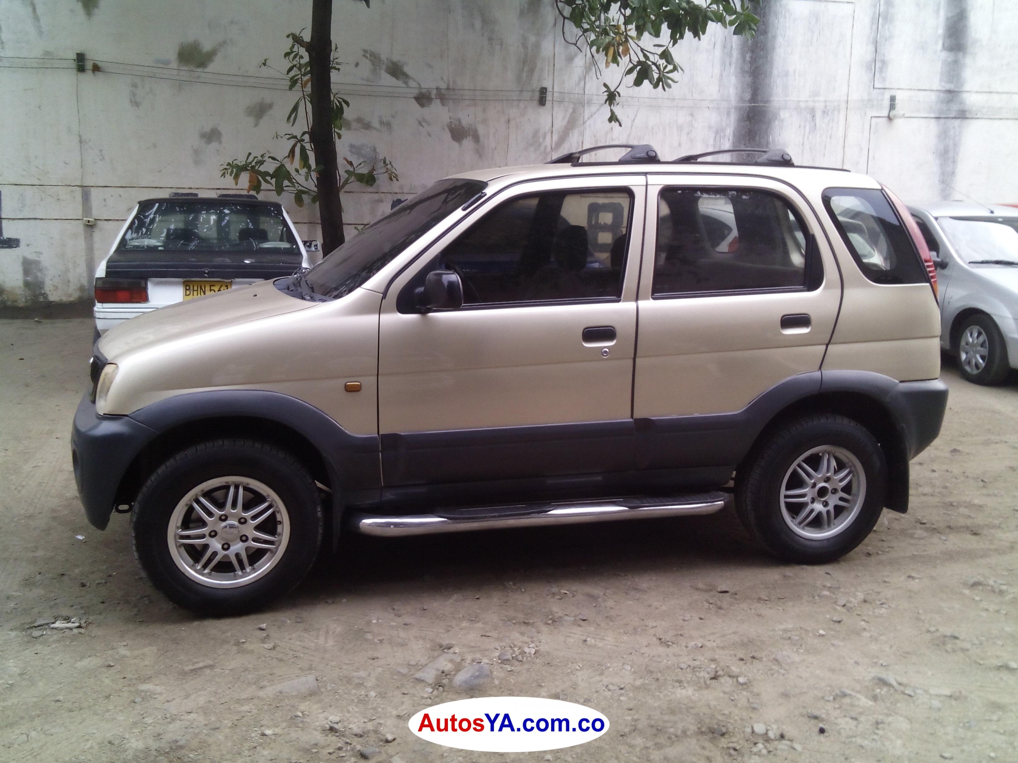 Terios 2004 aut 122549 ven  (2)